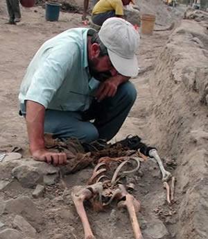 باستان شناس مسیر ایرانی