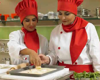 ساناز مینایی استاد آشپزی - مسیر ایرانی